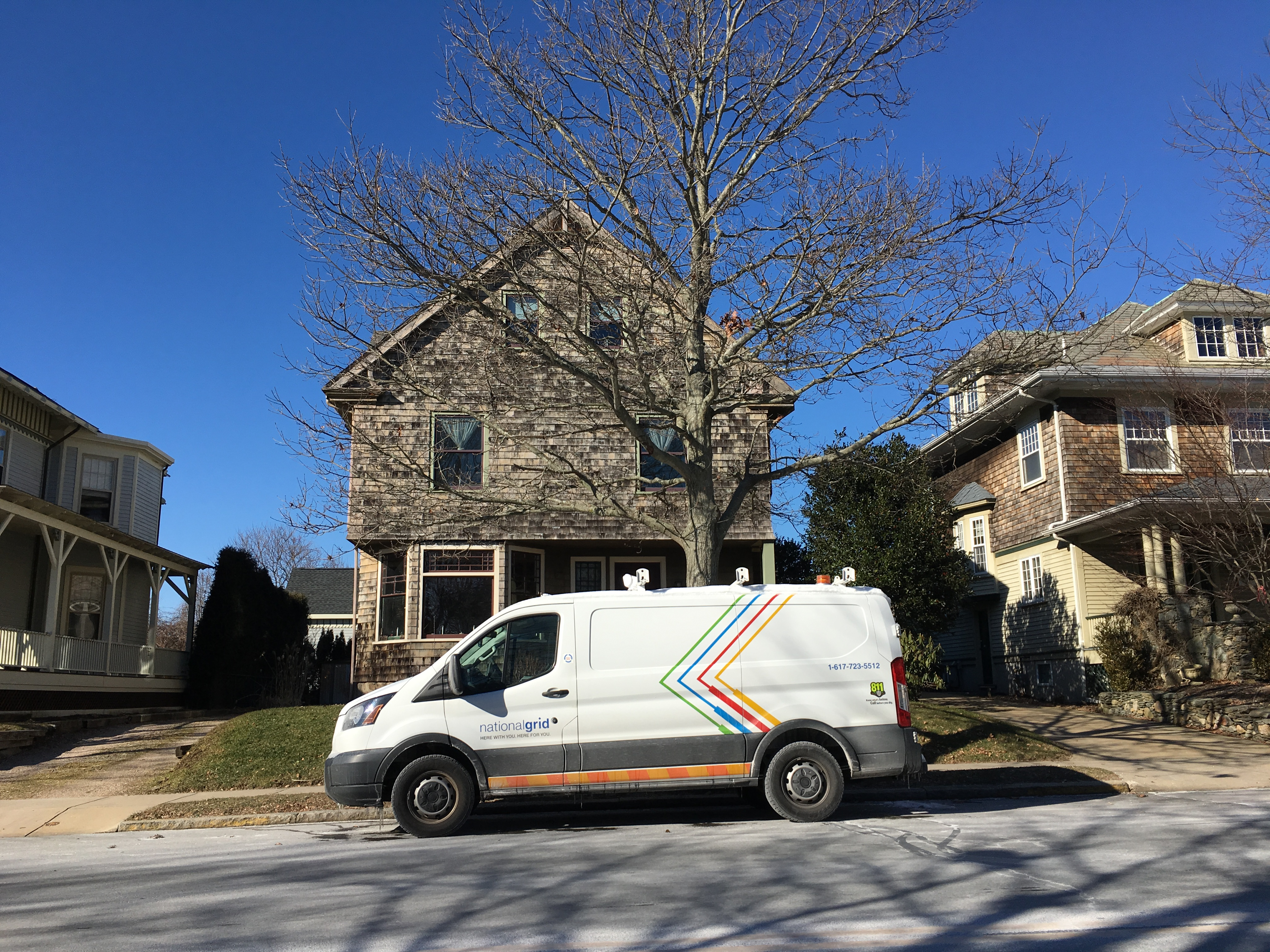 National Grid teams going house-to-house in Newport, turning off gas meters, January 22, 2019.