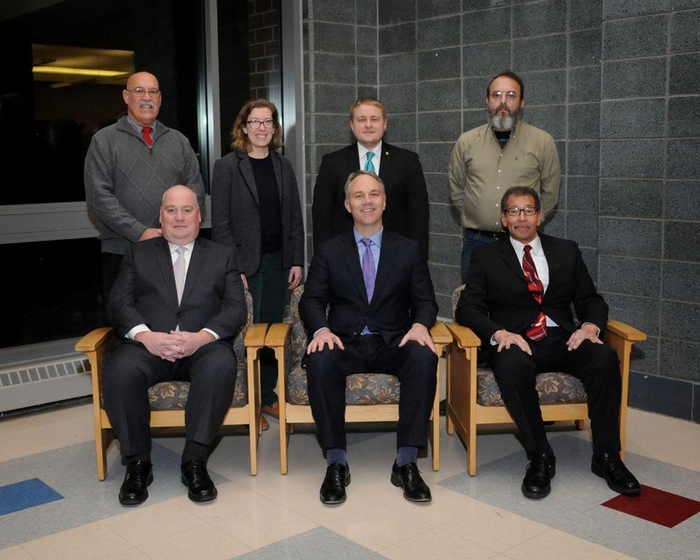 El Comité Escolar de New Bedford votó por un modelo de instrucción híbrida el miércoles.