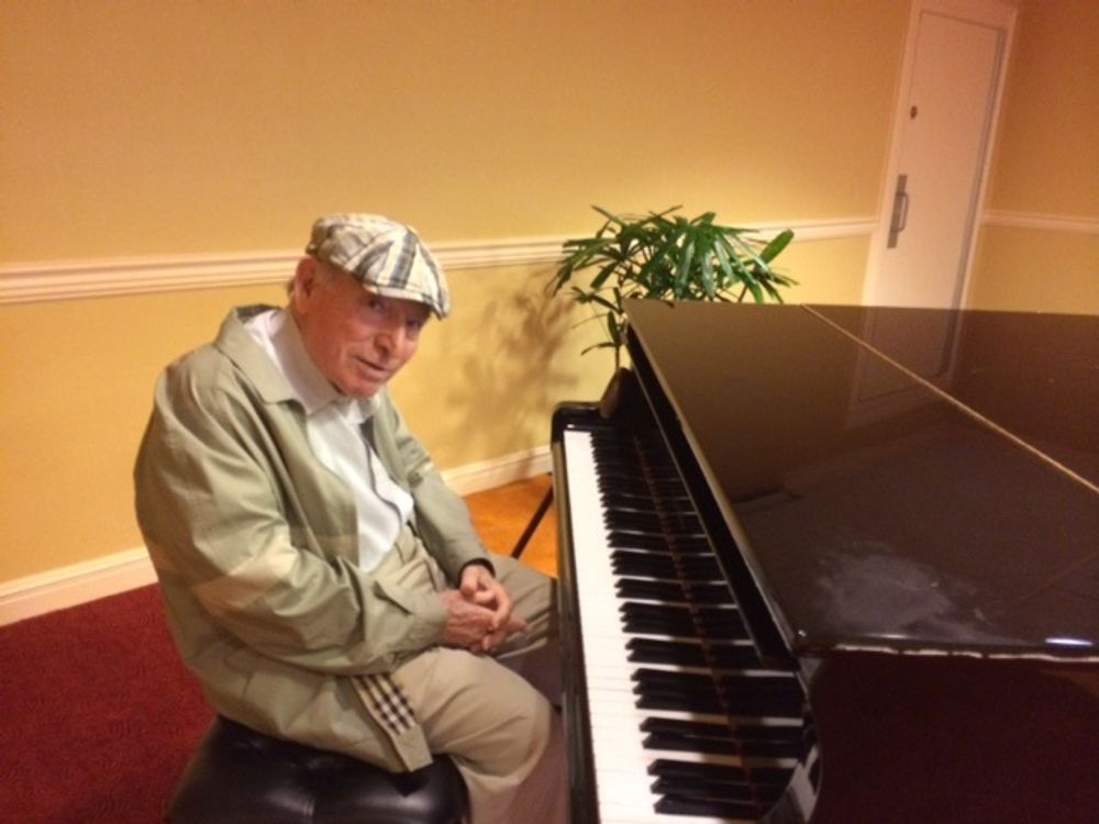 George Wein at the piano in 2014