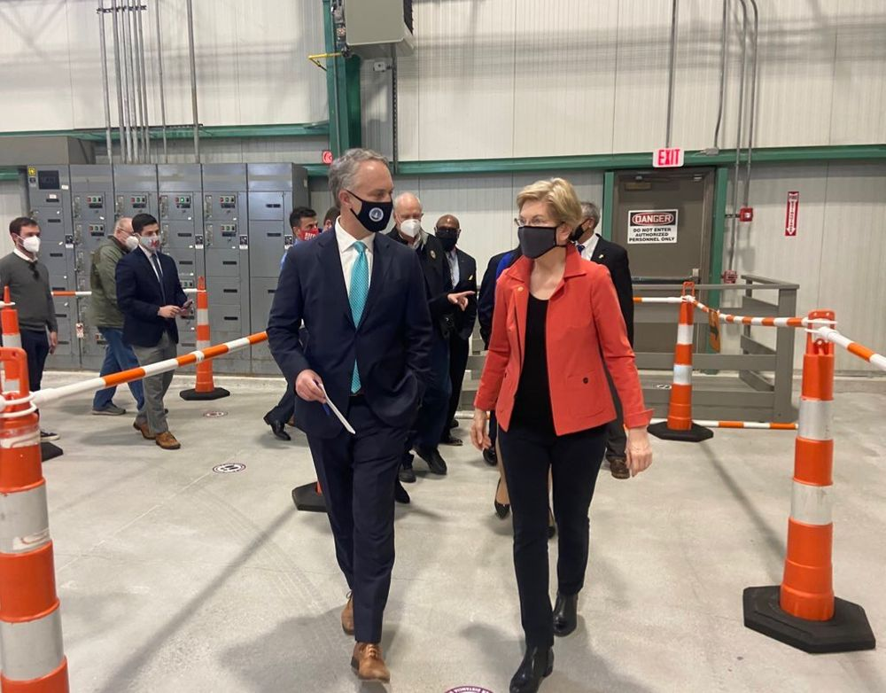 New Bedford Mayor Jon Mitchell and Senator Elizabeth Warren announced the opening of a new vaccine clinic on the waterfront this week.