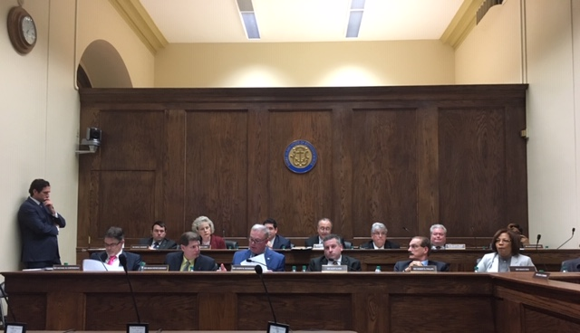 RI House Committee Approves New 24-Hour Waiting Period To Review Major Changes To Bills; Critics Say Broader Changes Needed