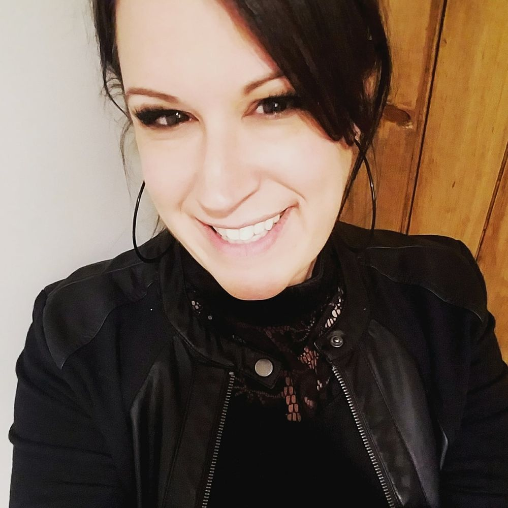 Lauren Ezovski started her own online business in November.