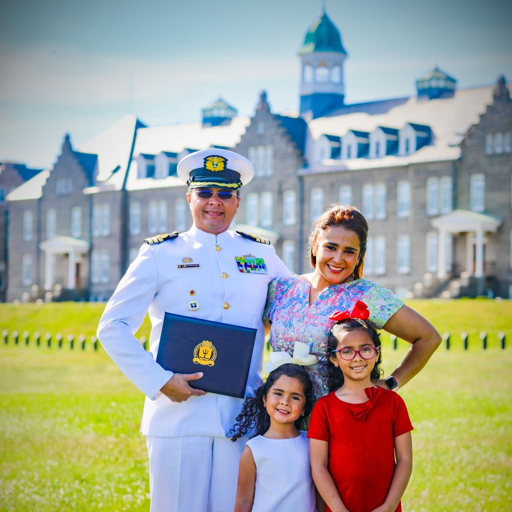 Gustavo Gutiérrez and his family at the Naval War College this spring.