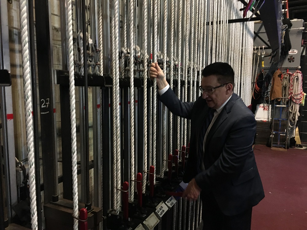Alan Chile shows us the ropes back stage